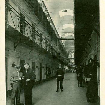 Photo 1912 - Interior view