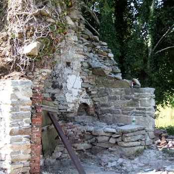Waite Potter House 210: Chimney and Firebox Restoration, Stone Walls Pointed