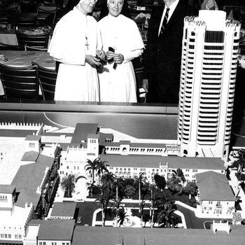 Sisters de la Croix, Gerald and Colonel Knox Phagan view model