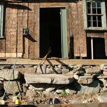 Akin House 084: Marks for Original Doorway