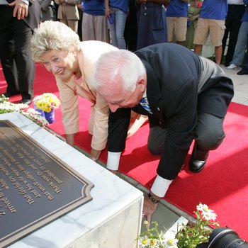 Founders Day 2006: Don and Helen Ross concrete handprints