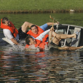 Founders Day 2007: Canoe race tip over