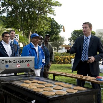 Founders Day 2008: Pancakes with the President