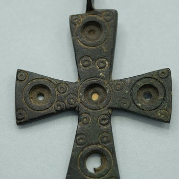 Pendant Cross with Concentric Circles 2