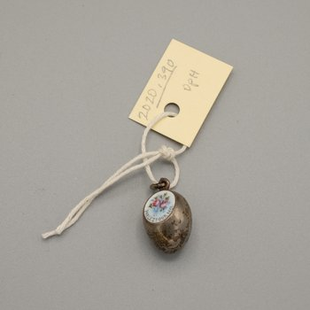 Pendant Egg with Painting of Roses and Inscription