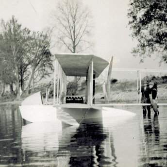Wright Model G Aeroboat floating in Miami River 2